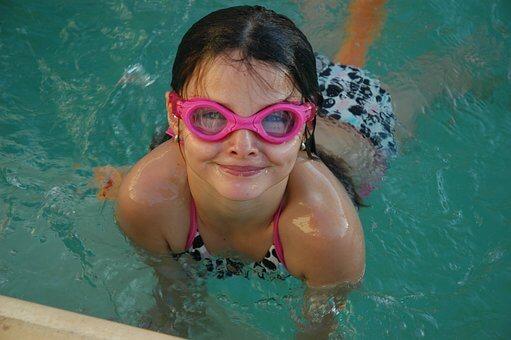 swimming 2404378 340